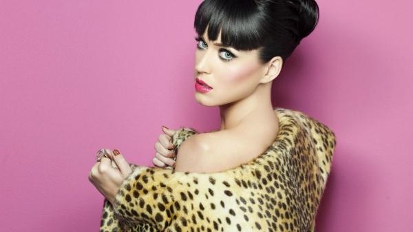 Новый клип Katy Perry и Juicy J — Dark Horse
