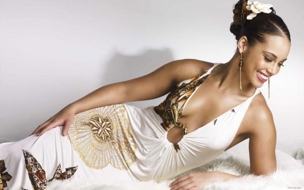 Новый клип Alicia Keys — It's on again