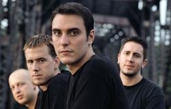 Клип группы Breaking Benjamin — Angels Fall