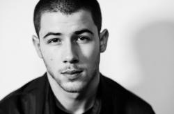 Клип Ника Джонаса (Nick Jonas) — Chainsaw