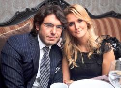 Фанаты Андрея Малахова заподозрили его жену в беременности