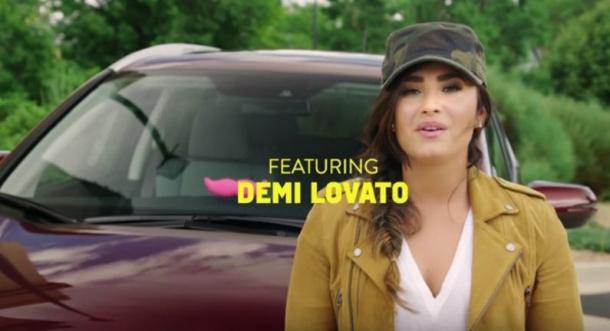 Деми Ловато стала таксисткой