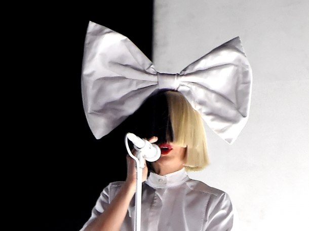 Sia: новая редакция This Is Acting с бонусами