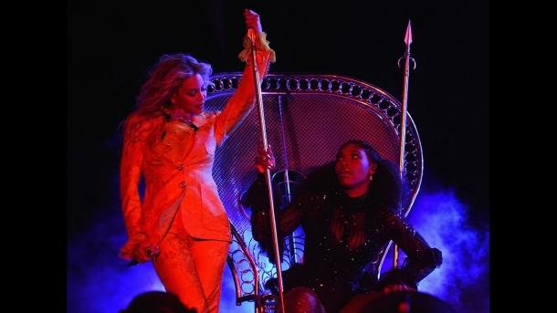 Серена Уильямс на сцене с Бейонсе