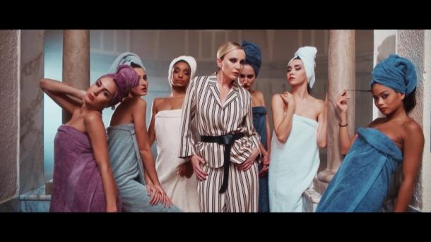 Патрисия Каас и ее клип Madame Tout Le Monde