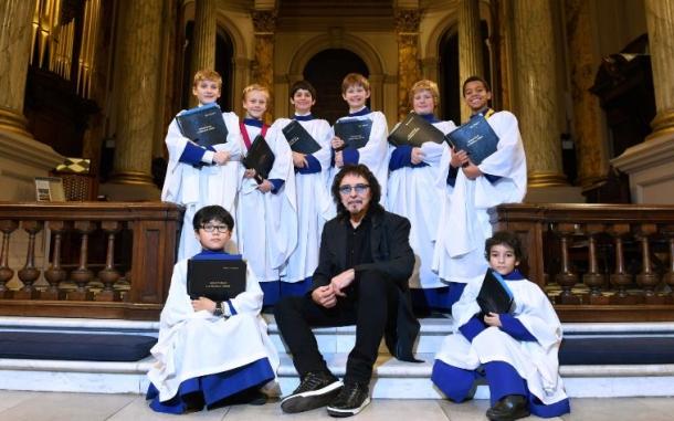 Гитарист Black Sabbath создал композицию для собора в Бирмингеме