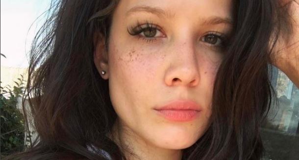 22-летняя Холзи уже скоро представит новый диск
