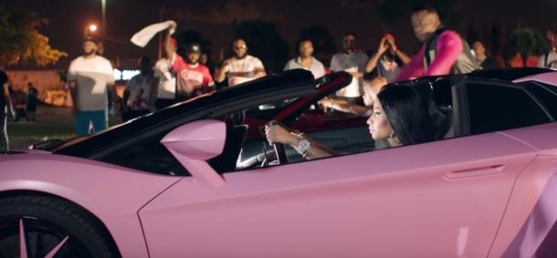 Ники Минаж в клипе Yo Gotti («Rake It Up»)