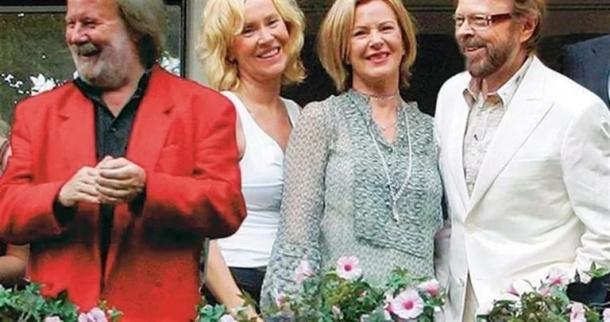 ABBA возвращается на сцену в виде голограммы