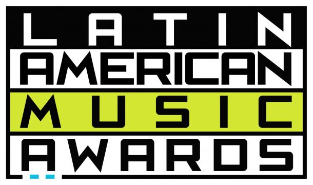 Красивые испанские звезды на Latin American Music Awards
