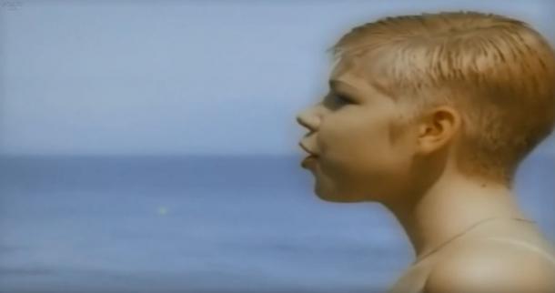 Миллионы знали ее по песне «Coco Jambo». Как она выглядит сегодня?