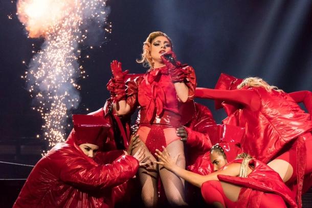 Леди Гага прервала концерт, заметив девушку в крови