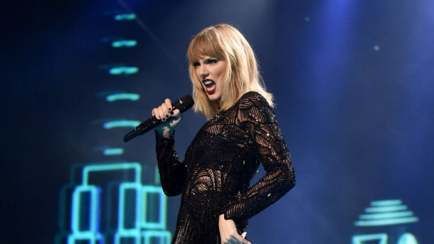 Тейлор Свифт решила выставить свой последний альбом «Reputation» на стриминговые сайты