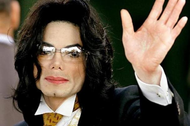 Современное видео с живым Джексоном обошло СМИ всего мира