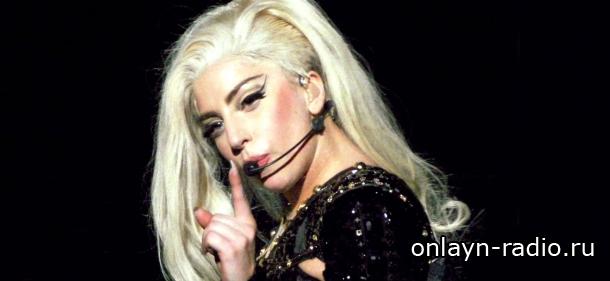 Поклонники Леди Гаги обвиняют менеджера певицы в крахе ее карьеры