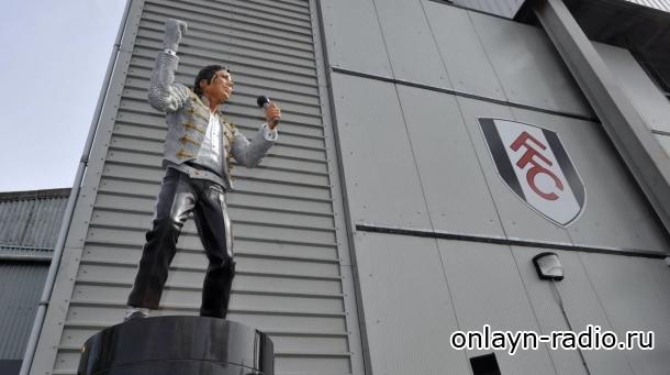 Памятник Майкла Джексона исчез из музея в Манчестере