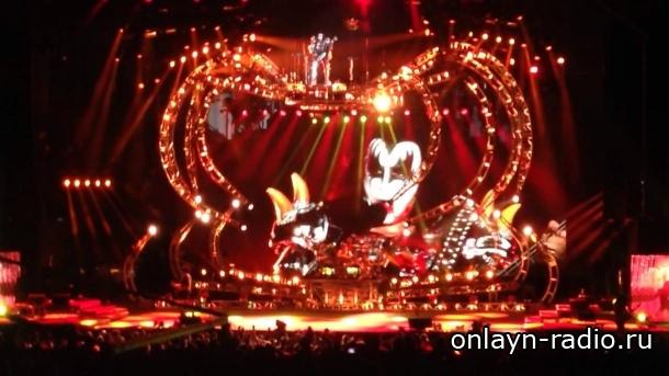 Kiss отменяет концерт по медицинским показаниям одного из музыкантов