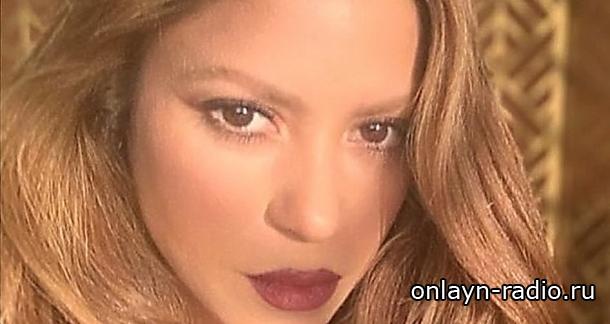 Шакира удивила новой прической. Эффектное превращение колумбийской звезды