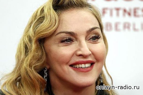 Мадонна делится впечатлениями от «семейной водной терапии»