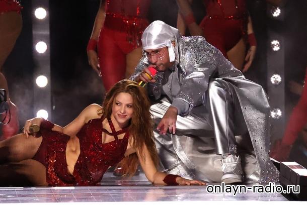 Эффектное выступление Дженнифер Лопес и Шакиры на 54. Super Bowl (фото, видео)