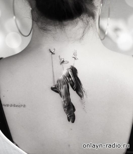 Татуировка на спине Деми Ловато 'символизирует' ее 'духовное пробуждение'