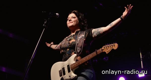 Эшли Макбрайд считает, что в кантри-музыке нет равенства