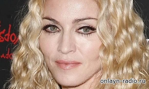 Мадонна показала очередную полуголую фотографию в Instagram. Что она написала?