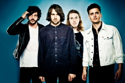 ���� ������ The Vaccines � Give me a Sign