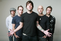 Клип группы Simple Plan — Opinion Overload