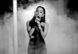 ���� ������ ������ (Ariana Grande) � Let Me Love You